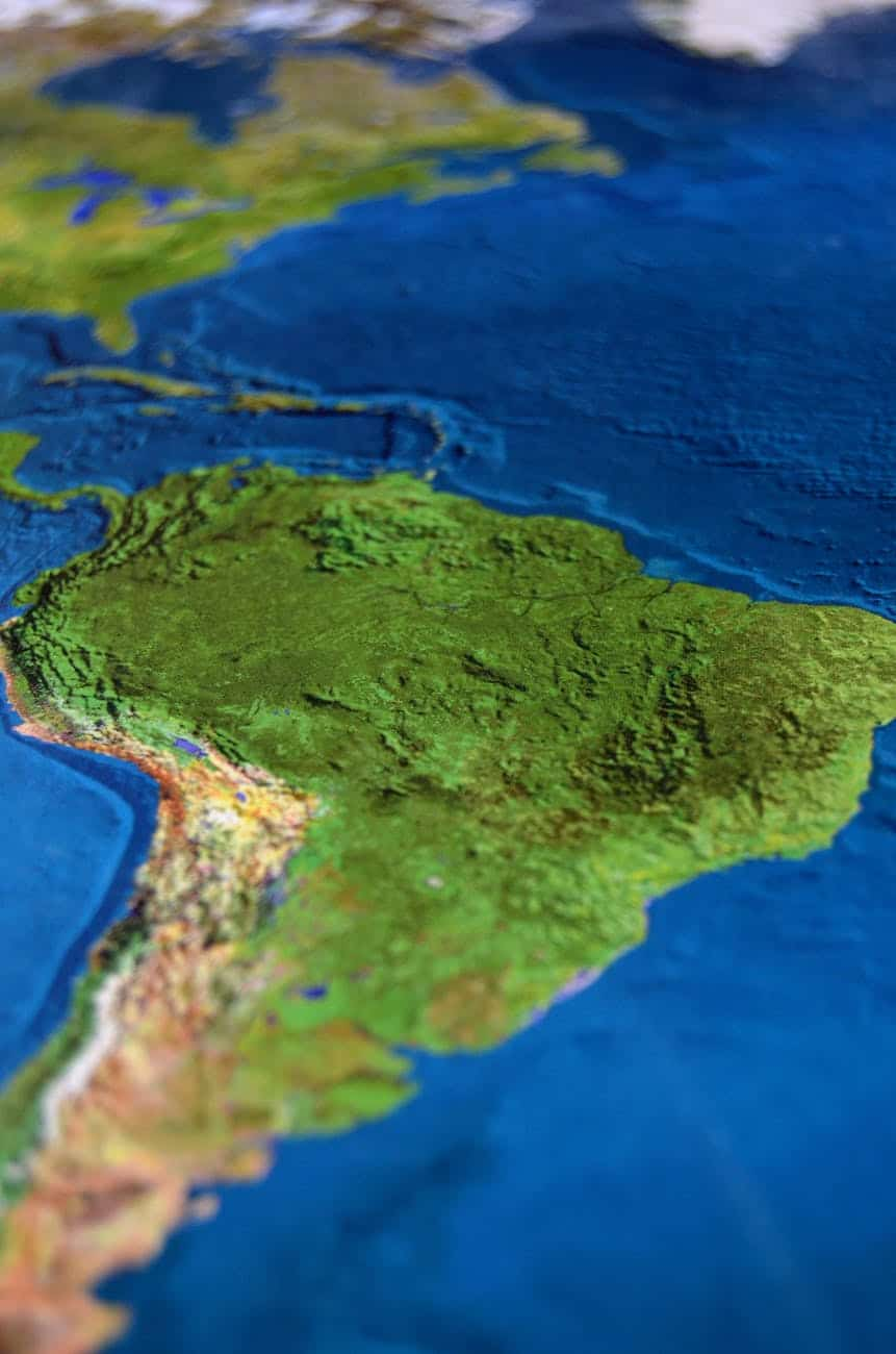 Inhabiting borders: autoethnographic reflections of PhD students in Colombia
